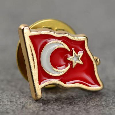 turk-bayragi-rozet-3